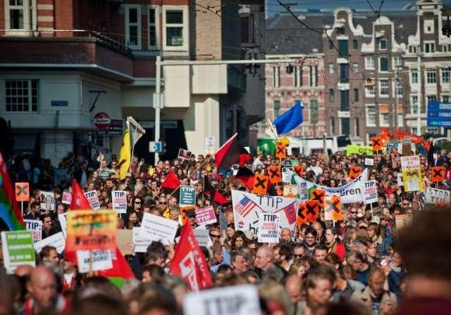 De anti-TTIP demonstratie in Amsterdam, oktober 2015.