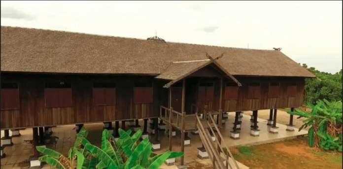 Rumah Adat Kalimantan Tengah - Betang Sei Pasah
