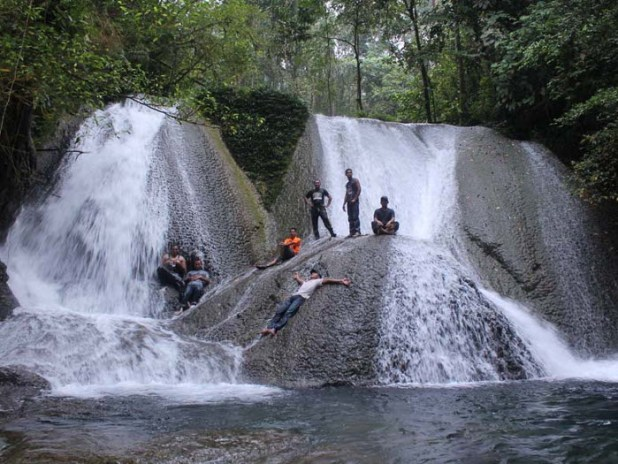 Wisata air terjun di kalimantan tengah - air terjun Tamanggung Tuyang