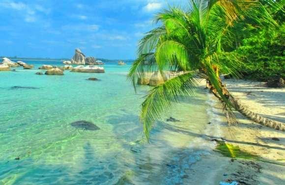 Destinasi Wisata Pantai Nyiur Melambai