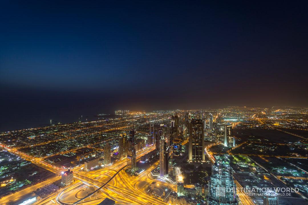 Ausblick vom Burj Khalifa auf die Sheikh Zayed Road