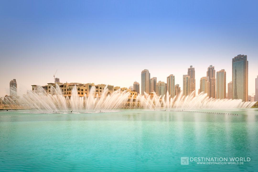 Dubai Fountain im Burj Khalifa Lake