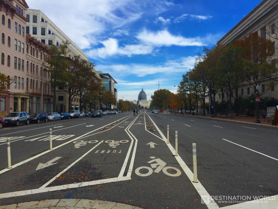 Blick von der Innenstadt auf das Kapitol, Washington DC