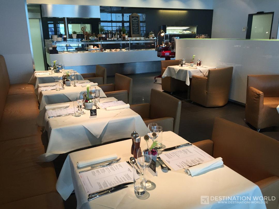 Lufthansa First Class Lounge in Frankfurt. Hier gibt es unter anderem ein A La Card Restaurant.