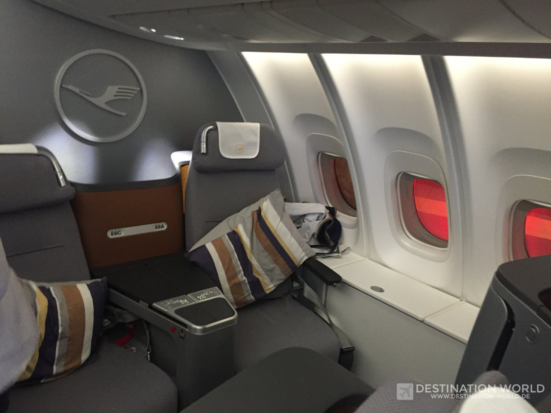 Der Lufthansa Business Class Sitz im Oberdeck der B747-8