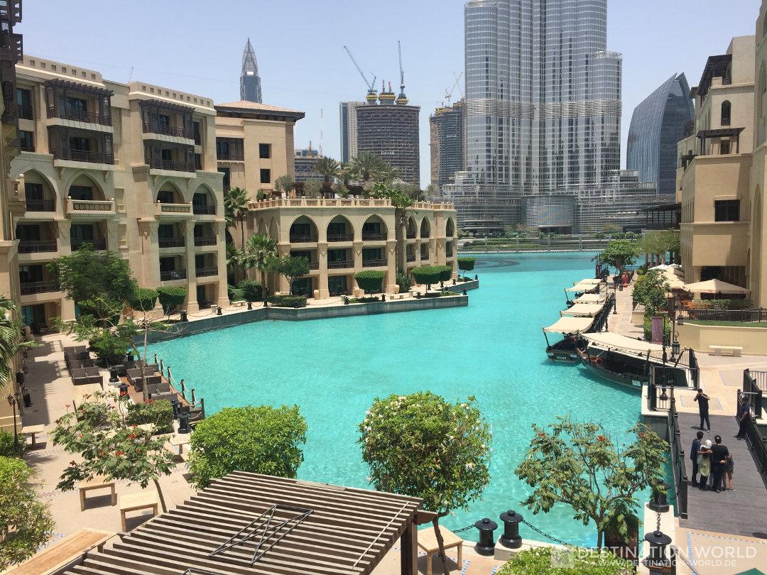 Das sind die typische Farben Dubais und des Souk al Bahars