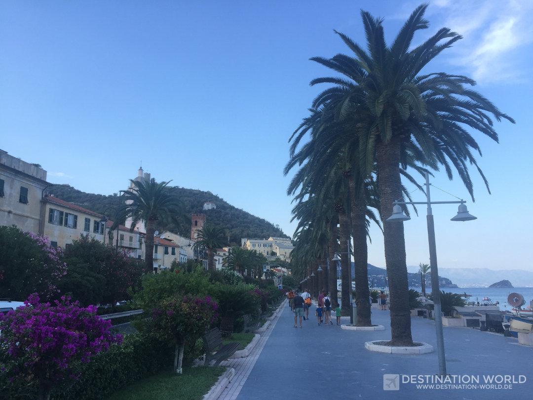 Auch die Promenade von Noli ist liebevoll angelegt