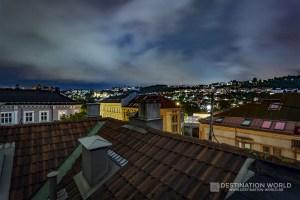 Blick von der Dachterrasse bei Nacht