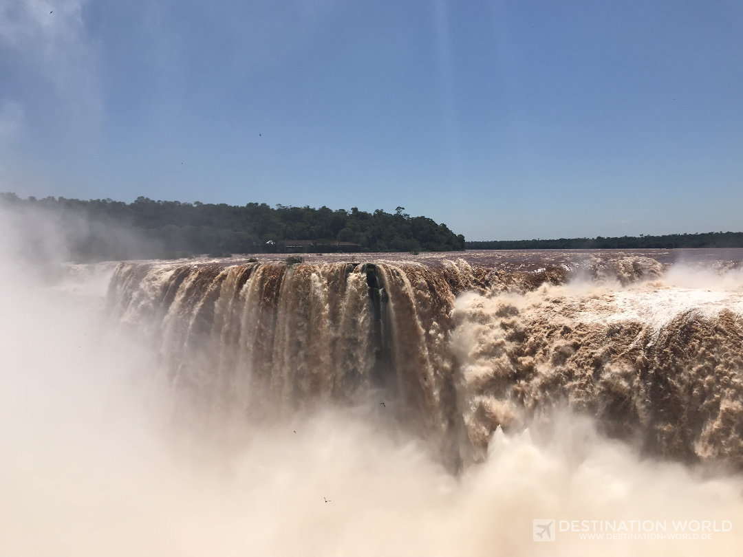 Das Herz der Iguazú Wasserfälle ist der gigantische Garagnta del Diabolo