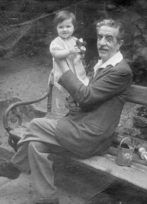 Пенчо Койчев - с внучката си Невена