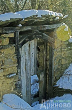 Село Бучуковци - вратата на храма