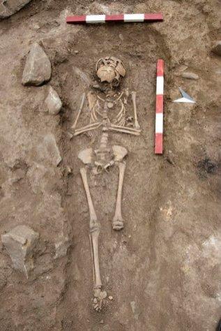 Гроб на около 8-годишно момиче