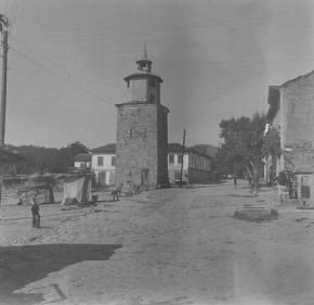 Часовниковата кула в Дряново. Снимка от около 1930а, направена от Гертруд Рудолф Хиле. Изпратена ни от Любомир Михайлов.