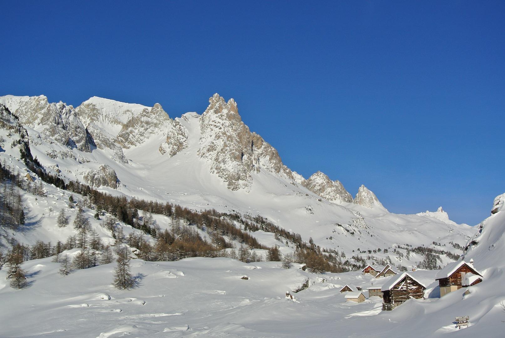 Haute vallée Clarée en hiver