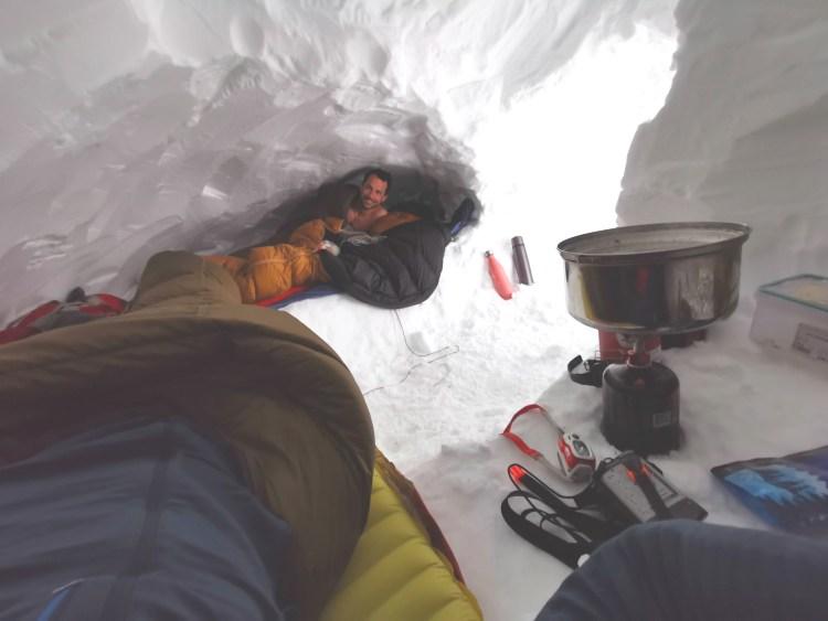 Installation dans l'igloo
