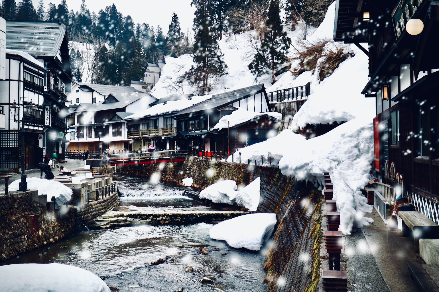 Ginzan Onsen - Winter with light snowfall