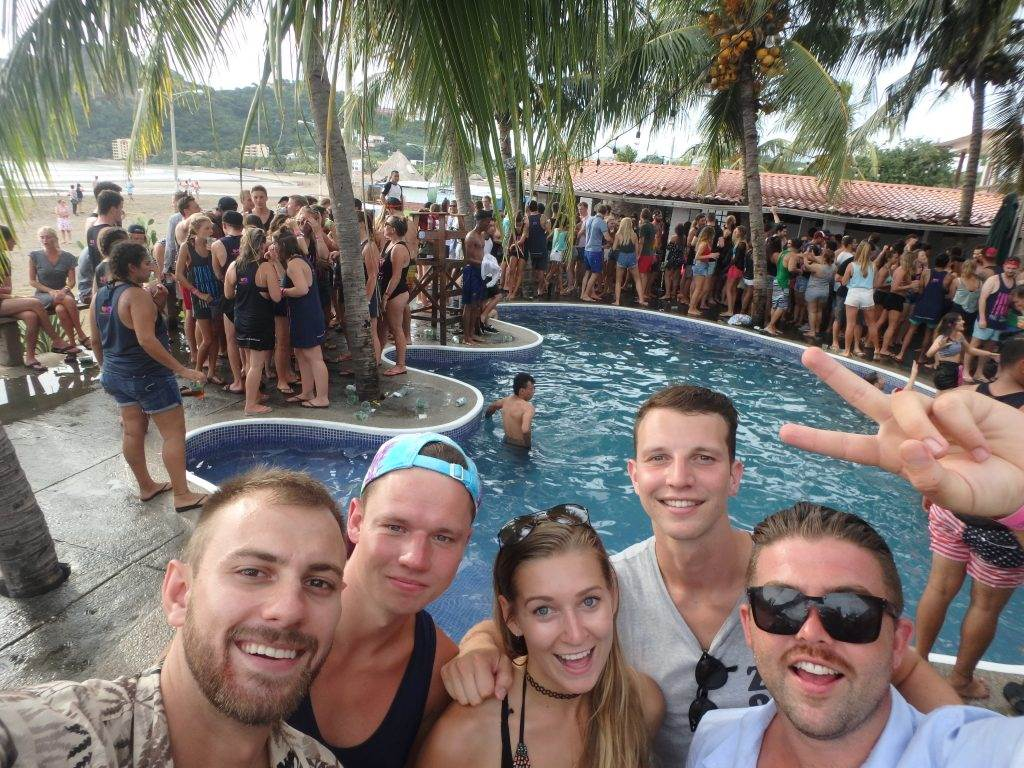 Sunday Funday San Juan del Sur Pool Crawl!