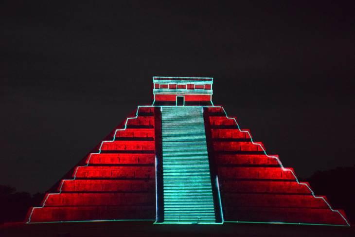 the chichen itza light show