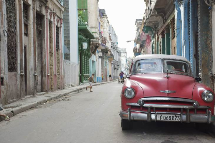 there are many things to do in Havana including walking the streets