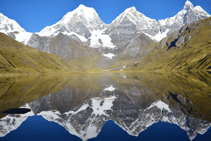 a beautiful view of hiking near huaraz