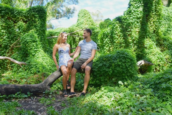 Couple photos at the secret garden in Perth