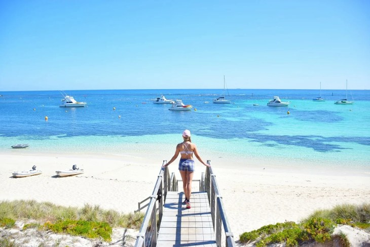 the ocean on rottnest island