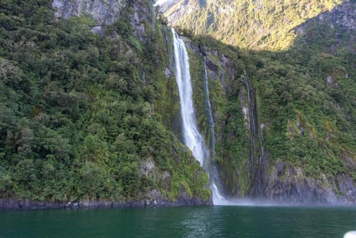 stiriling falls in milford sound