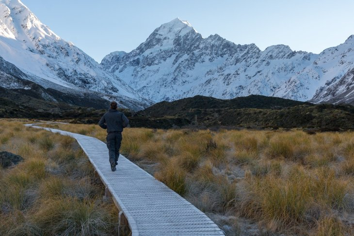 the walkway along the hooker valley