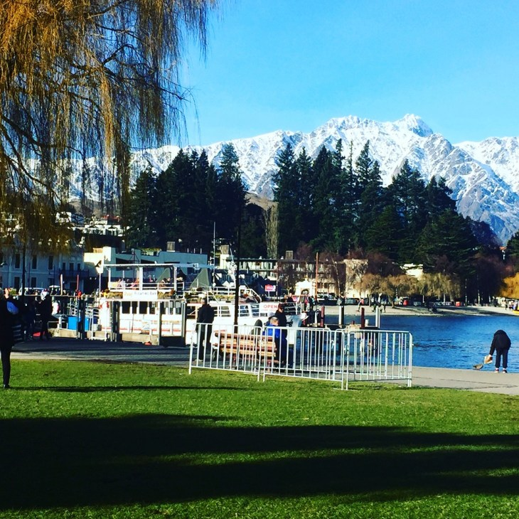 the floating bar in queenstown is th eperfect place for a photo