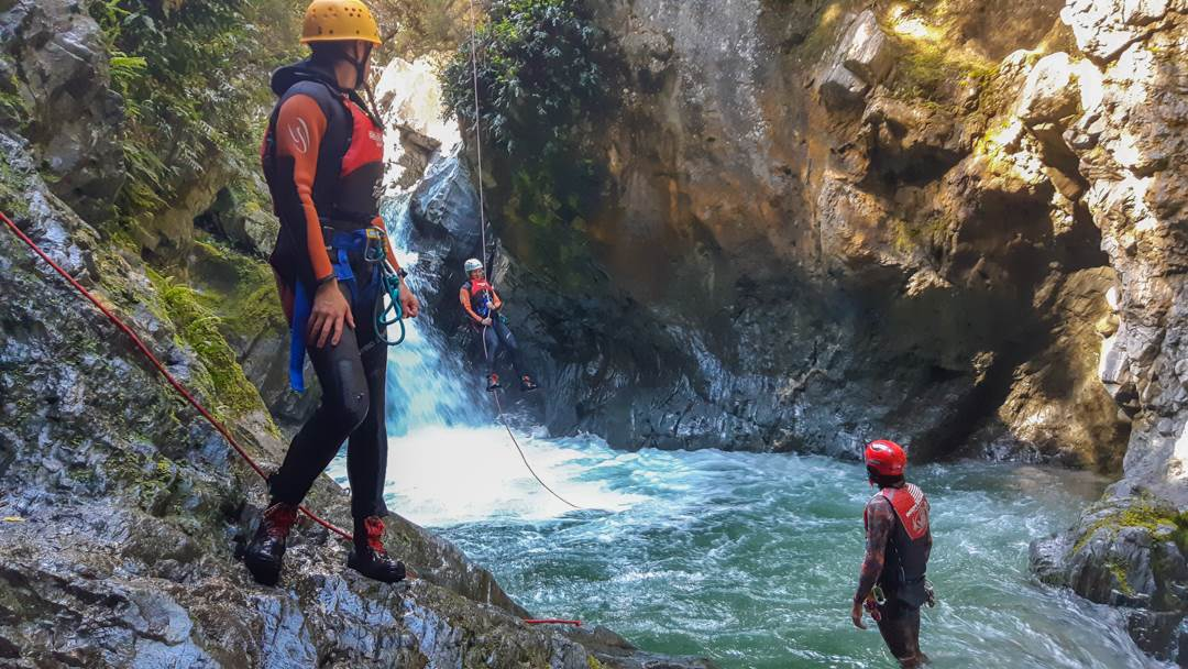 canyoning in queenstown is a best tour in Queenstonw