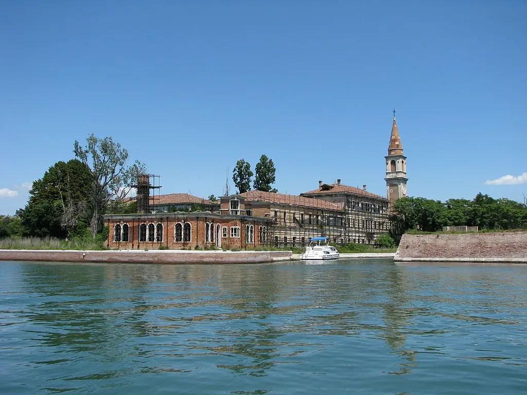 Italie : pourquoi l'île de Poveglia est si célèbre mais si peu visitée ?