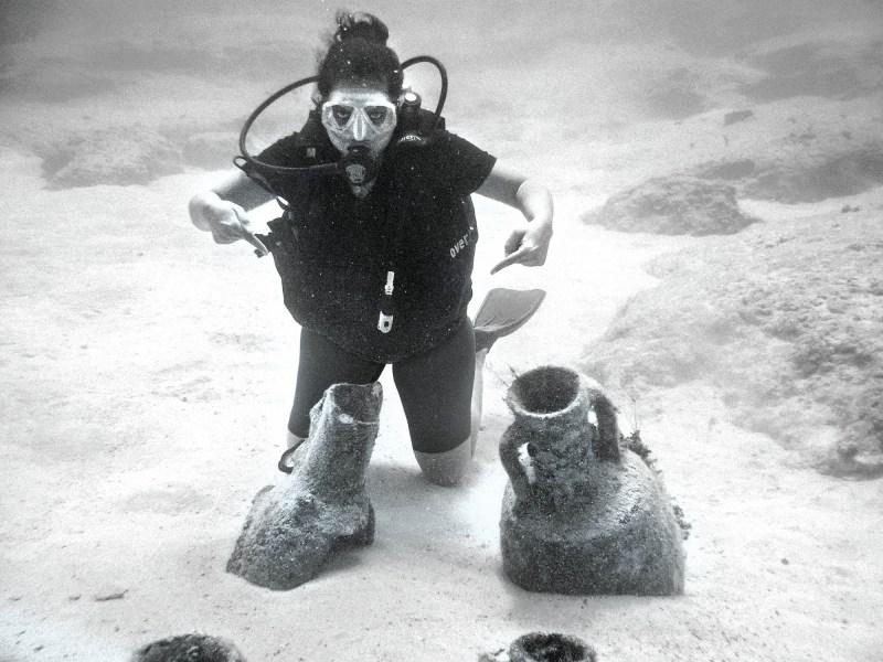 nice-jugs-ancient-greek-water-jugs-embedded-on-the-sea-bed