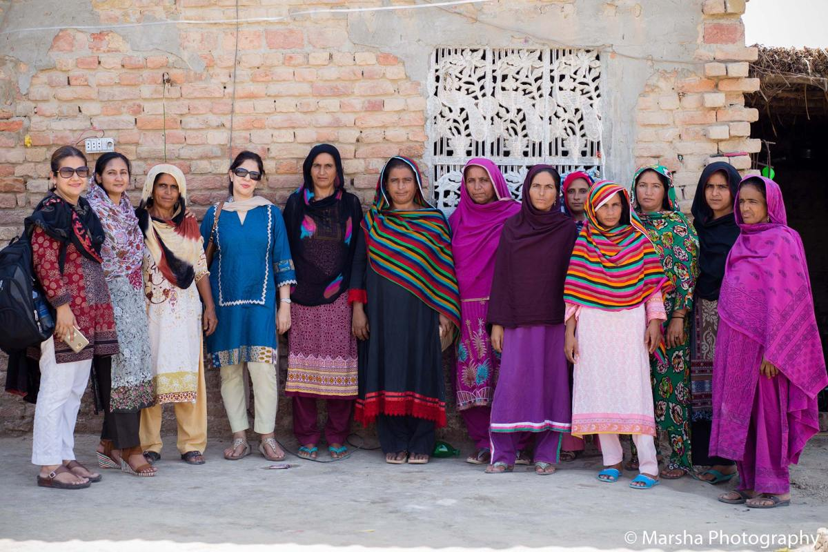 Najia Siddiqui with Female Artisans