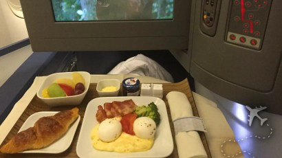 Delta One breakfast