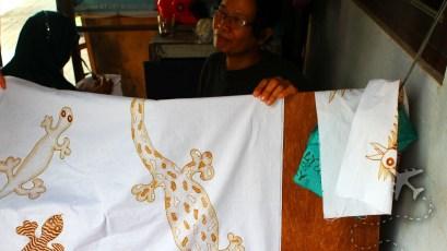 Batik wax dyeing
