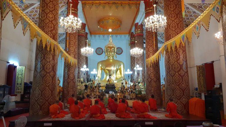 Prière des moines à 18h