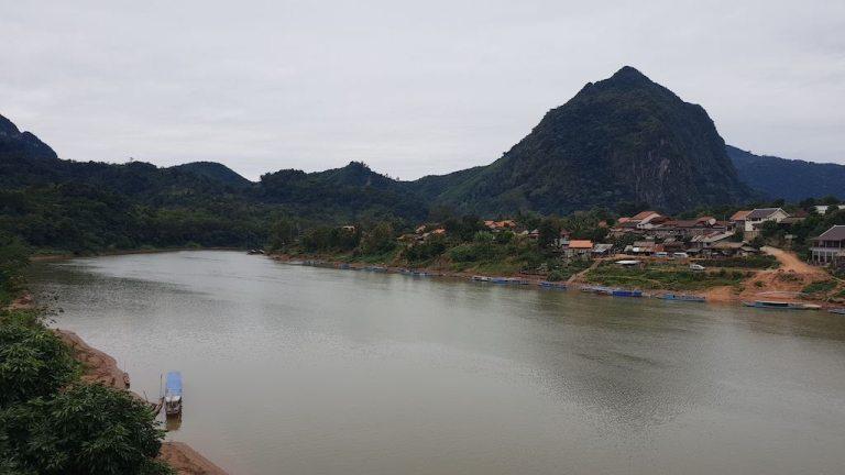 Vue du pont de Nong Khiaw