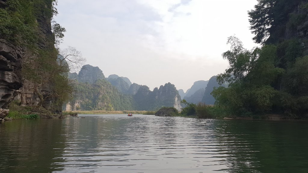 baie d'Ha Long terrestre à Trang An