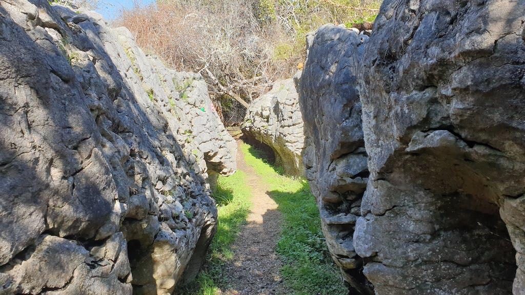 Labyrinth Rocks Takaka