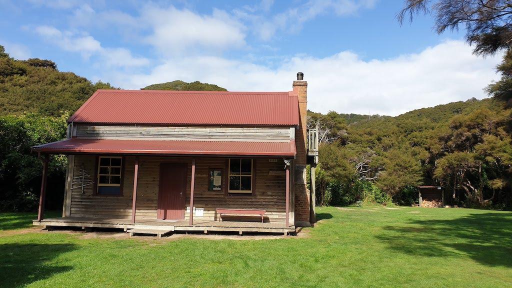 hut Abel Tasman