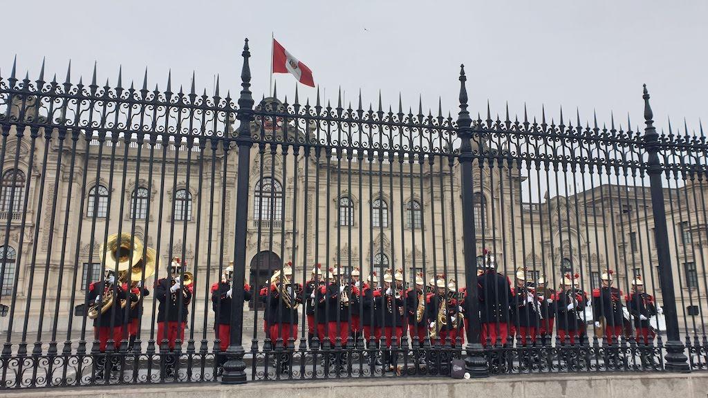 La relève de la garde Lima