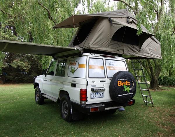 4x4 en australie avec tente sur le toit