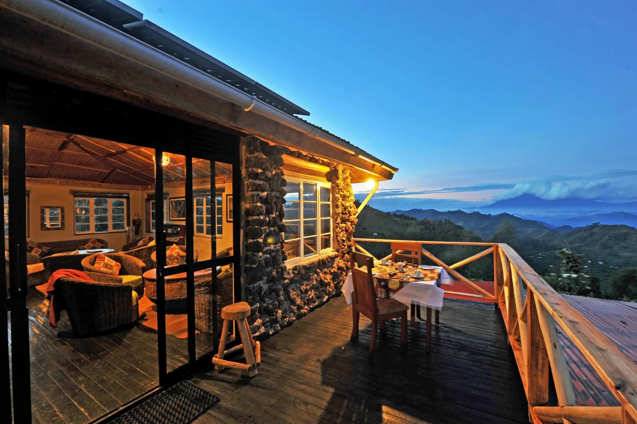 SAFARI ACCOMMODATION - Nkuringo Bwindi Gorilla Lodge