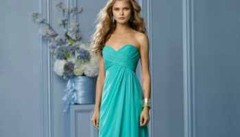 Beach Bridesmaid Dress Photos & Tips - Destination Wedding Details