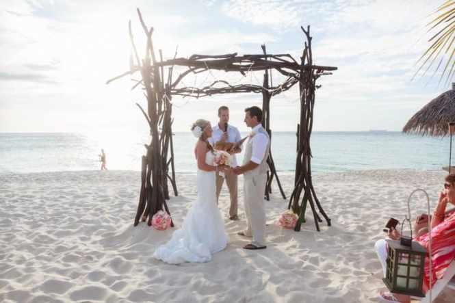 Clic Wedding Arch