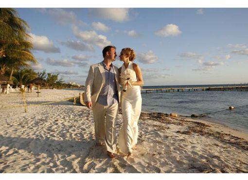 A Destination Wedding Is a Walk on the Beach