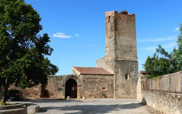 Ruinas de la Iglesia de Santa María de Pedraza - Destino Castilla y León