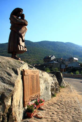 Monumento a las víctimas de la catástrofe de Ribadelago - Imagen de FirkinCat