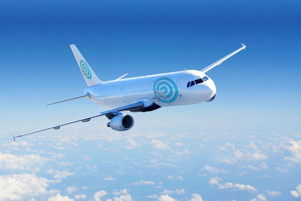 Avión comercial con insignia de Destinos Ahora