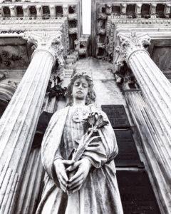 Estatua en el Cementerio de Recoleta en Buenos Aires, Argentina